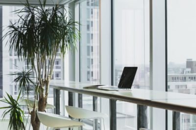 Effective Ways To Improve Air Flow In Overcrowded Office 1