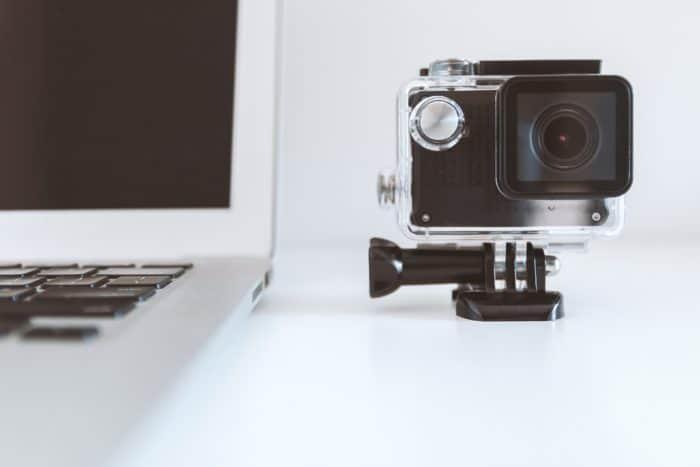 Good Cameras Under 10000