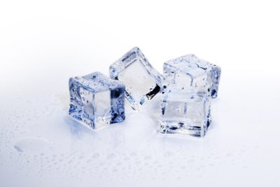 Health and Skincare Benefits of Applying Ice Cubes on the Face 1