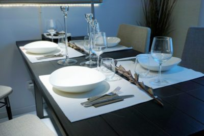 Most Attractive Table Runners for Your Dining Table