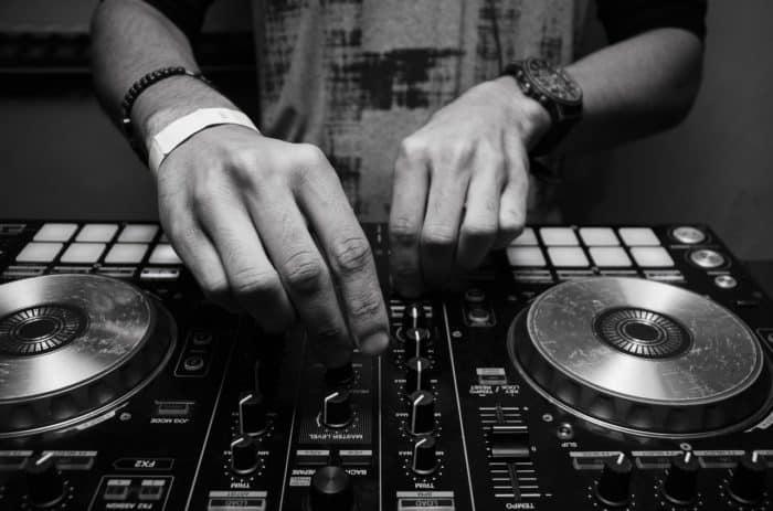 Top 8 Best DJ Controllers
